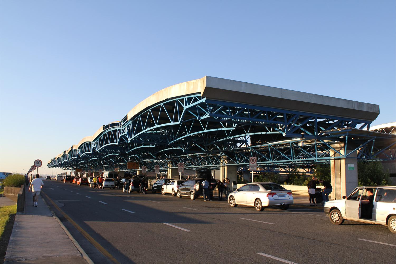Aeroporto Em Curitiba : Aeroporto de curitiba é eleito o melhor pelos passageiros