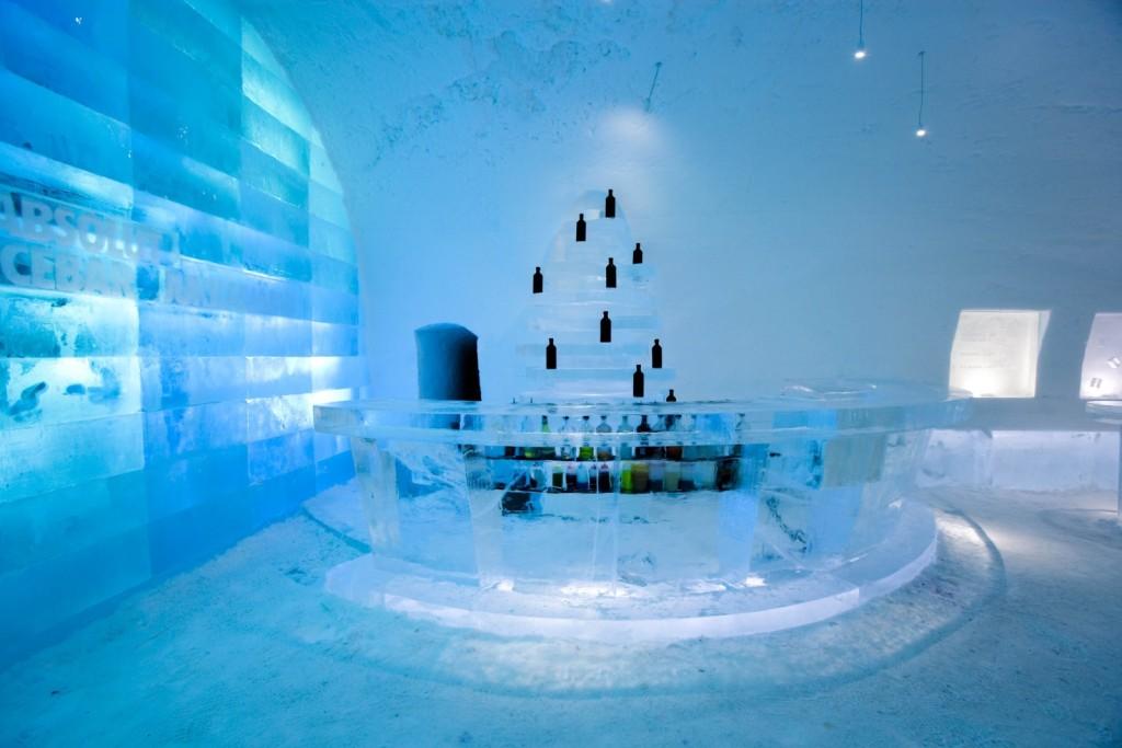 Icebar-na-Suécia-1024x683