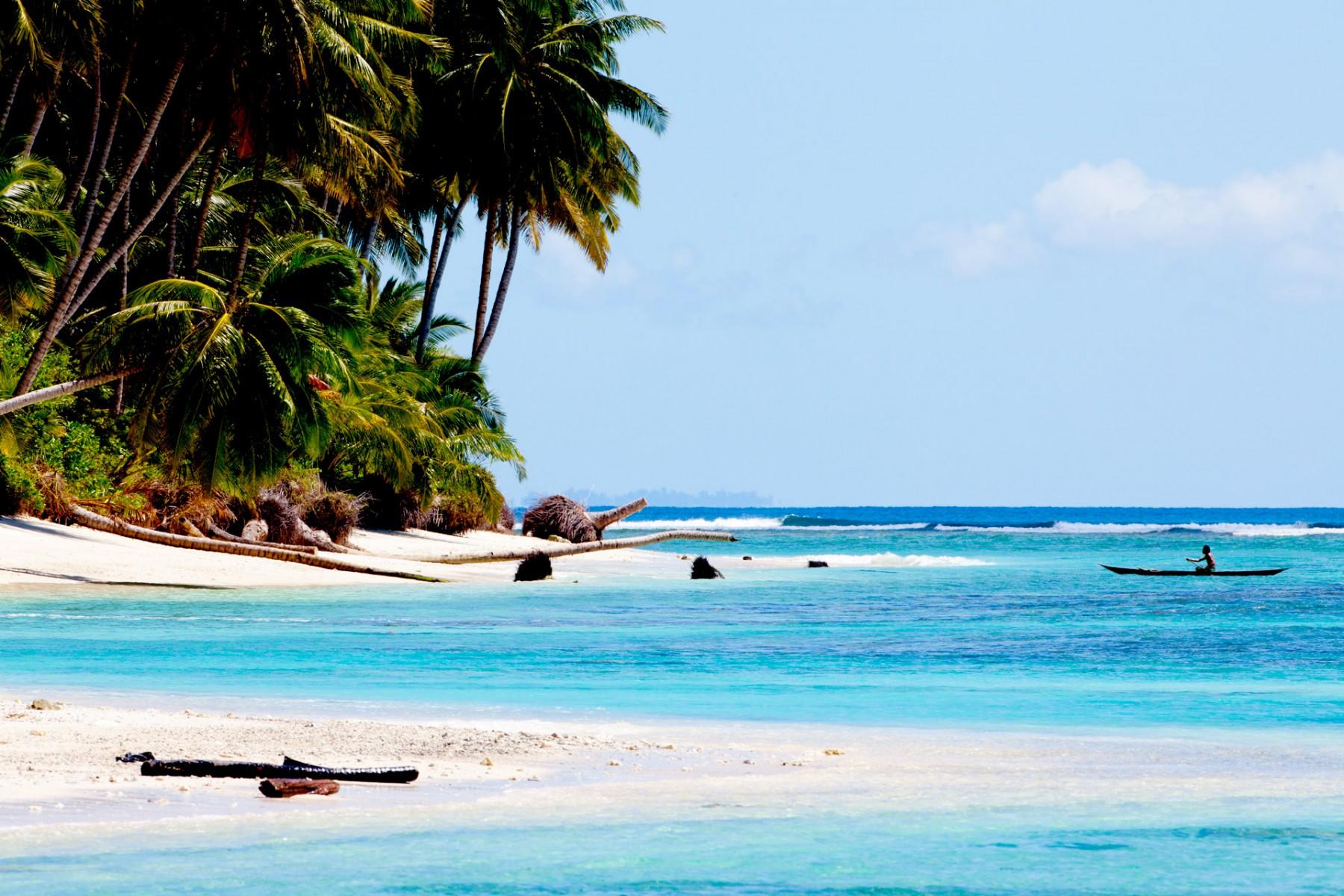 tropical_island_Mentawai-1800x1200