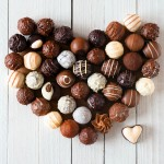 Comer chocolate melhora o funcionamento do cérebro, diz estudo