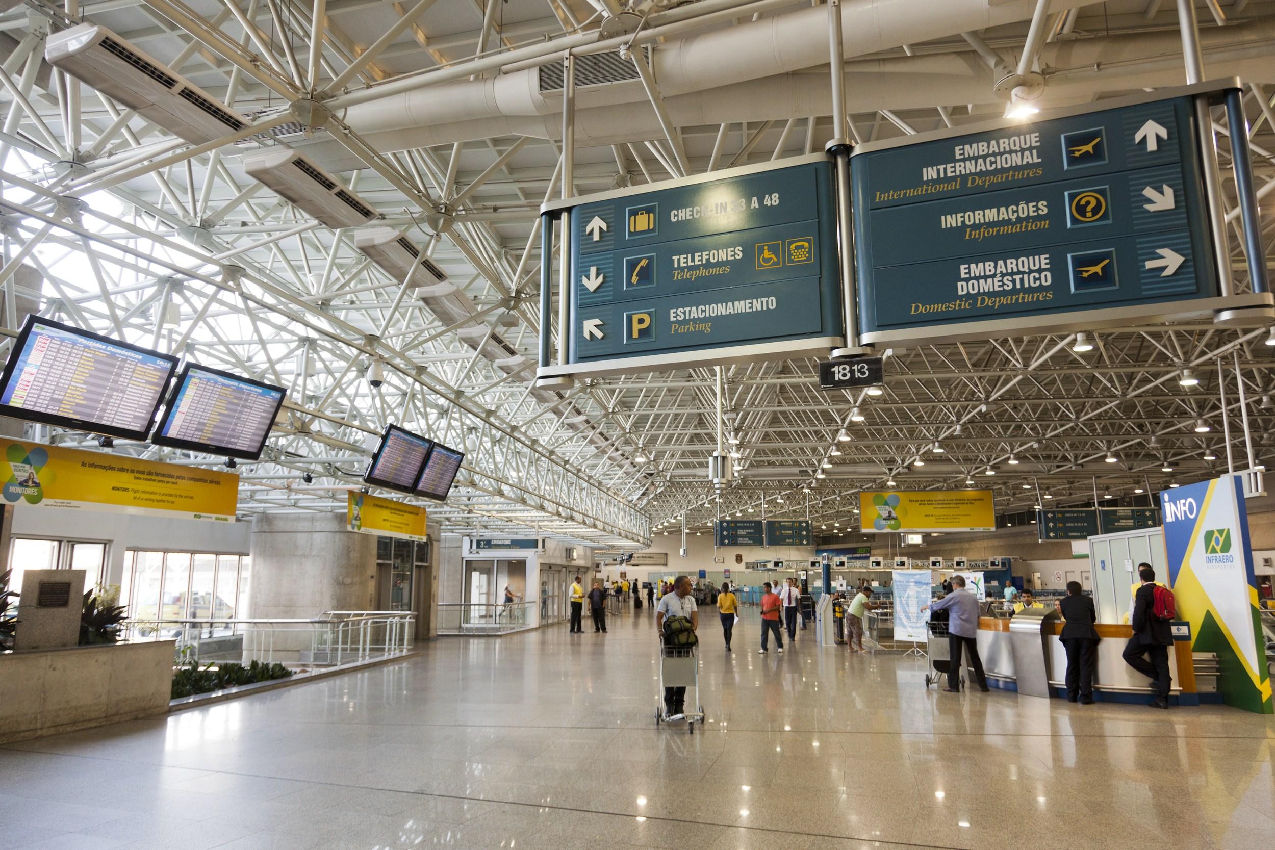 http://revistaembarque.com/wp-content/uploads/2016/04/aeroporto-galeao10.jpg