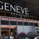 Robô de bagagem auxilia passageiros no Aeroporto de Genebra