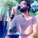 Vinho azul é nova sensação no verão europeu