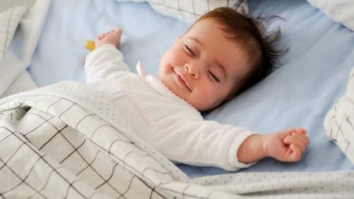 size_810_16_9_bebe-dormindo