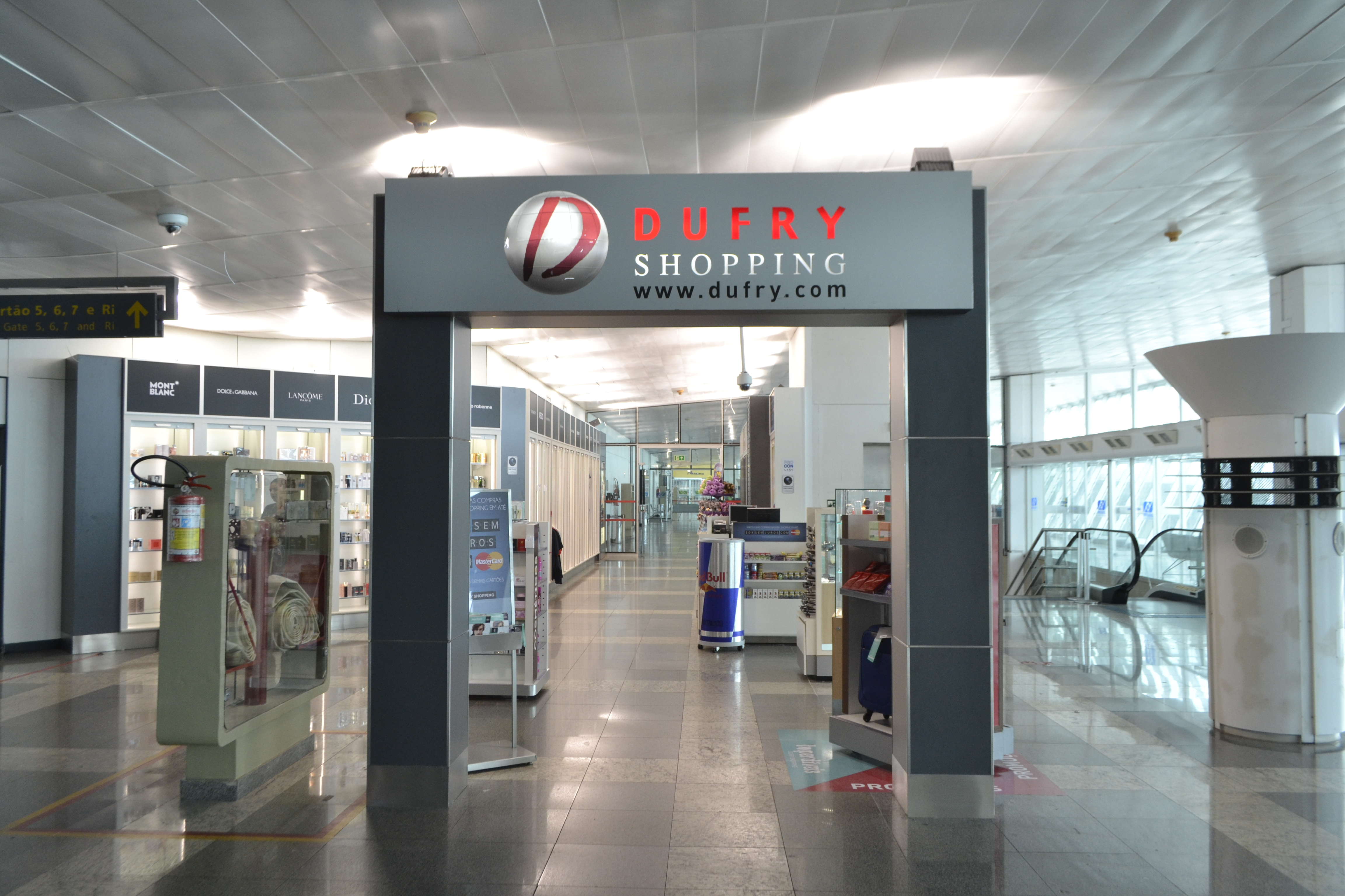 Dufry Shopping Walk-Through 1