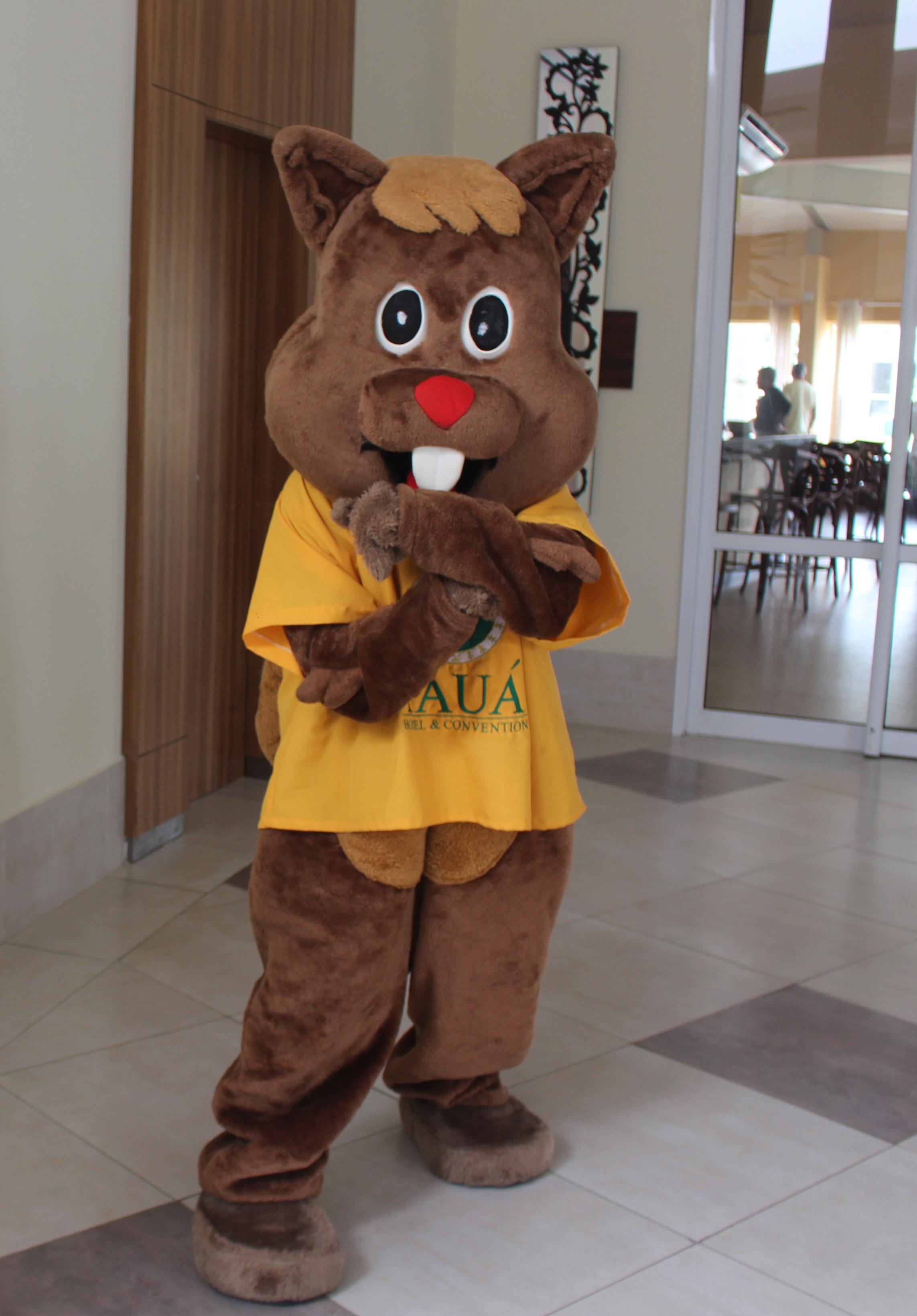 O esquilo Pepito adorado pelas crianças (Revista Embarque)