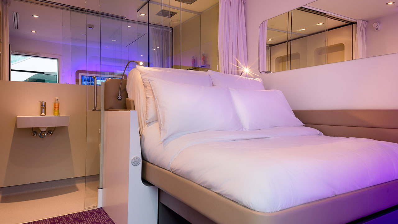 yotelair-cdg-premium-cabin-from-door