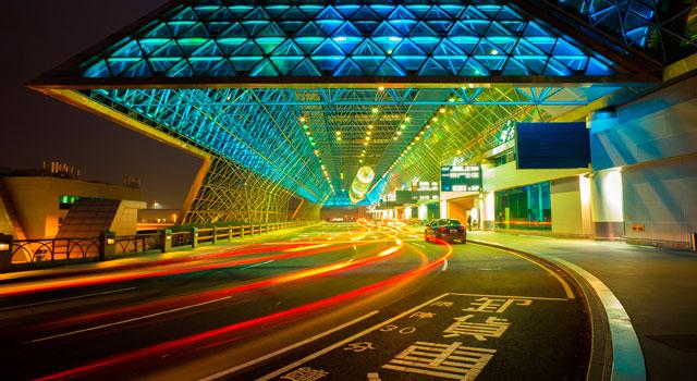 taipei-taoyuan-airport-night