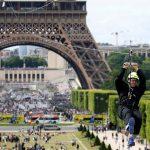 Corajosos poderão descer a Torre Eiffel de tirolesa
