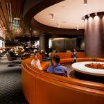 Qantas Airlines tem regra de vestimenta para passageiro ficar no lounge