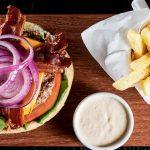 Rede de hotéis lança hambúrgueres artesanais exclusivos