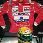Receita Federal de Viracopos abre leilão com capacete do piloto Airton Senna