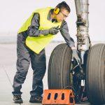 Mecânico de aeronave: Saiba mais sobre essa profissão que garante seu voo seguro