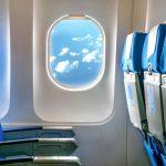 Saiba por que os bancos do avião devem ficar na vertical na decolagem e pouso